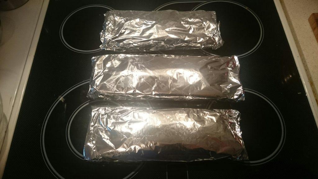 Spargel aus dem Ofen in Päckchen gepackt